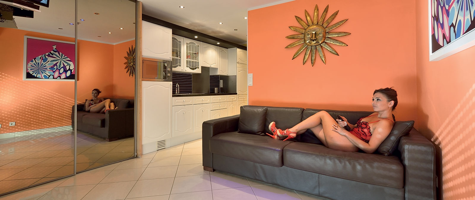 Lounge Sunny naturist studio flat for rent