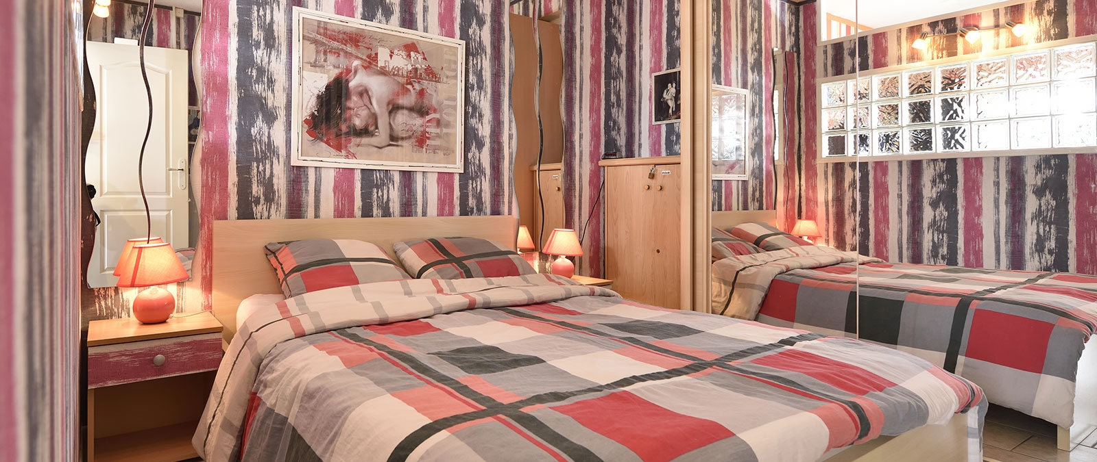 Bedroom with double bed Palmier Villa naturist rental