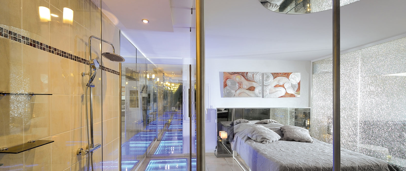 Sleeping area with 160 cm bed Shimmer naturist villa