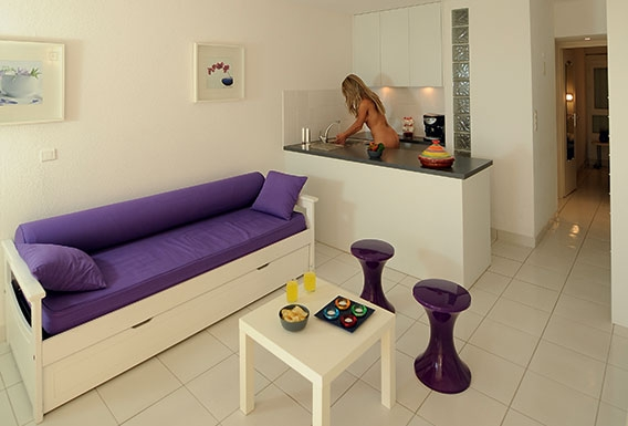 Ivoire naturist apartment