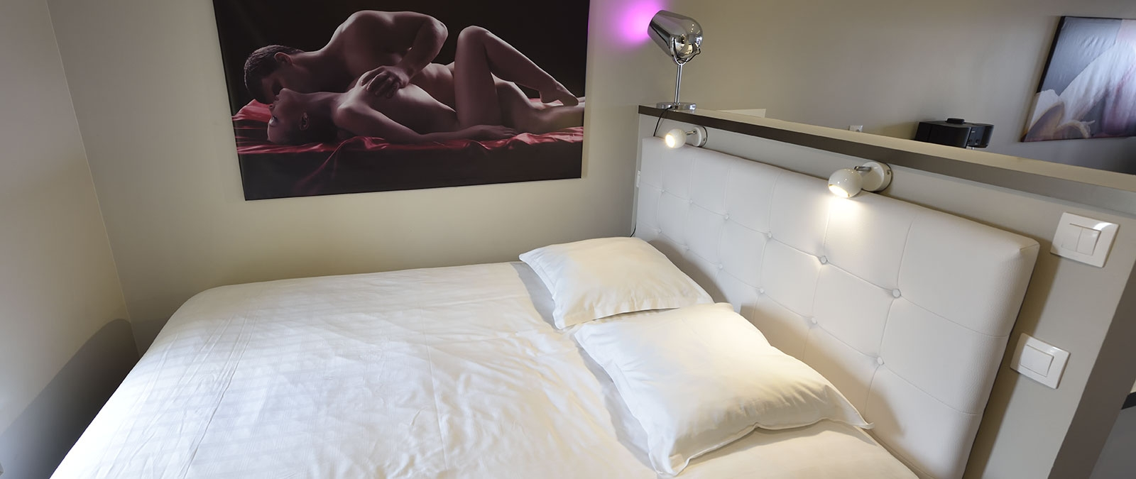 Double bed Sea View naturist studio flat for rent